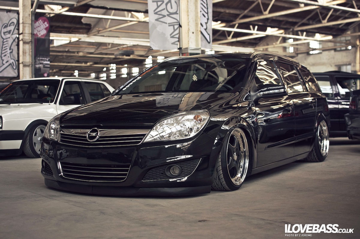 Opel astra h gtc modif des phares pr sentation page for Opel astra h interieur